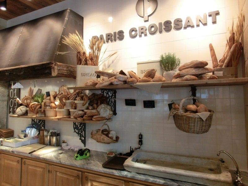 Paris-Croissant-Seul-8